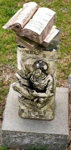 Resultado de imagem para cemetery and books