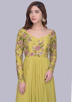 Long Dress Design, Stylish Dress Designs, Stylish Dresses, Long Anarkali Gown, Long Gown Dress, Long Frock, Long Dresses, Strapless Prom Dresses, Blouse Designs Silk