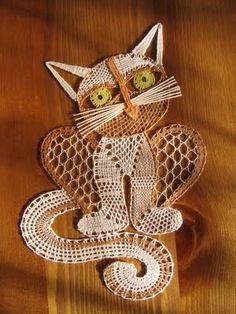 Bobbin Lace Patterns, Crochet Flower Patterns, Crochet Flowers, Lace Art, Wire Crochet, Lacemaking, Point Lace, Crochet Girls, Lace Jewelry