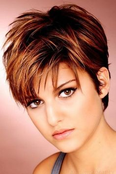 Short Layered Hairstyles For Women's