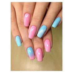 A beautiful gentle manicure in the pink-blue shades is a universal option for a spring-summer period, when it reigns all over the riot of colors. Two nails
