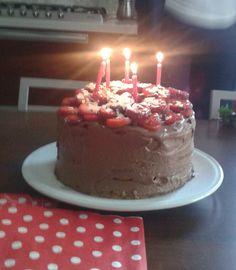 Torta fragole e cioccolato♡