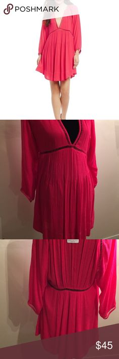 """NWT Free People Go Lightly Hot Pink V-neck Dress NWT Free People Go Lightly Hot Pink V-neck 3/4 Sleeve Swing Dress Sz S-$128 Deep v-neckline Empire wasit. Cutout detailing Pullover construction. Plunging neck Three-quarter sleeves Partially lined 66% viscose, 34% modal Hand wash BUST : 18"""" LENGTH : 35"""" STYLE : OB568641 ORIGINAL PRICE : $128 100 % AUTHENTIC Free People Dresses Mini"""