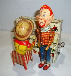 "1950s TIN WIND-UP 8"" DANCING HOWDY DOODY w BUFFALO BOB SMITH AT THE PIANO"