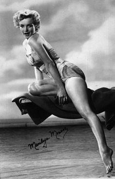 Marilyn Monroe Swimsuit, Marilyn Monroe Fotos, Marilyn Monroe Portrait, Brigitte Bardot, Marlene Dietrich, Greta, Pose, Raquel Welch, Norma Jeane