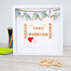 Picture frames are great as wedding gifts suitable .- Bilderrahmen sind hervorragend als Hochzeitsgeschenke geeignet. Geldgeschenke k Picture frames are ideal as wedding gifts. Gifts of money … – Frame - Diy Wedding Presents, Wedding Gifts For Newlyweds, Unique Wedding Gifts, Newlywed Gifts, Bride Gifts, Unique Weddings, Wedding Present Ideas, Unique Gifts For Girls, Diy Gifts For Kids