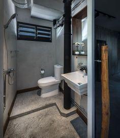 3-Room HDB maybe chg door direction fir toilet