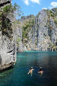 Fotos de Viagem às Filipinas: As Twins Lagoons são um das belas paisagens de Corón. Veja também outras imagens das Filipinas, um país que reserva lindos passeios por lagoas, praias e  montanhas entre Puerto Princesa, Corón e El Nido.