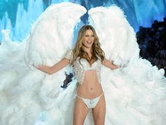 - Behati Prinsloo and Adam Levine: The Journey of the Couple - EverAfterGuide