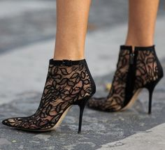 W.O.W..#streetstyle #lace #booties