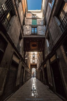 A different street. by Jimbos Padrós on 500px