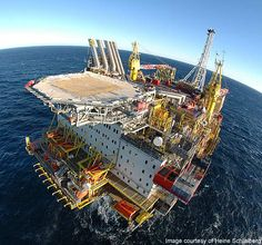 The average crude oil production at the Draugen oil field in 2009 stood at Gas Work, Oil Rig Jobs, Oilfield Life, Oil Platform, Marine Engineering, Oil Refinery, Drilling Rig, Chemical Industry, Oil Industry