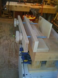 Mini Bench with Moxon Vise - Homemade mini bench with Moxon vise intended for use on a tabletop to facilitate closeup joinery work. Constructed from red oak and featuring fully mortised stretchers and feet.