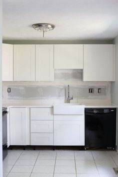 Either the price is one of the things you have to keep in mind, or not, there are enough IKEA kitchen design ideas here to inspire you into getting exactly what you want for your new or remodeled kitchen. We have found interesting takes on how you can redesign your kitchen with IKEA furniture and details, and how you can get them personalized for you to get a kitchen that feels more yours than something out of a catalog. Go ahead and take a look at the outstanding ideas we put together for you. Small Kitchen Cabinets, Ikea Kitchen Design, Kitchen Cabinet Handles, Painting Kitchen Cabinets, Kitchen Countertops, New Kitchen, Kitchen Ideas, 1950s Kitchen, Cheap Kitchen