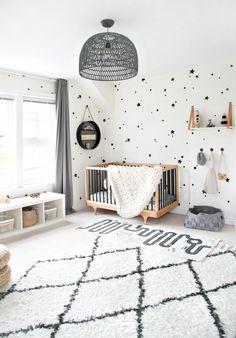 Boy room with kalon studios crib quartos infantis скандинавс Baby Bedroom, Baby Boy Rooms, Baby Room Decor, Baby Boy Nurseries, Baby Cribs, Nursery Room, Kids Bedroom, Modern Nurseries, Baby Boy Bedroom Ideas