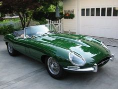 Jaguar XKE - or also called the Jaguar E-Type is a sports car produced by Jaguar Cars Ltd. between By combining sporty design, beautiful British Sports Cars, Classic Sports Cars, Classic Cars, Vintage Cars, Antique Cars, Jaguar E Type, Jaguar Cars, Jaguar Xk, Montage Photo