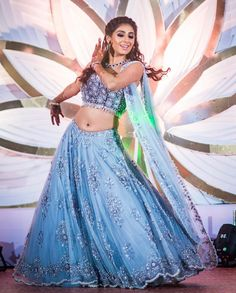 Wedding guest outfit blue bridal parties 17 ideas for 2019 Wedding Guest Style, Bridal Style, Indiana, Simple Lehenga, Wedding Saree Blouse, Pakistani Bridal, Bridal Lehenga, Lehenga Choli, Wedding Party Dresses