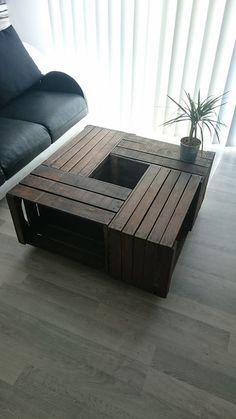 Table basse avec des caisses