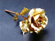 Our Gold Foil Rose: The timeless gift that never fades. Made with real 24 karat gold foil! Comes with box and certificate of authenticity Elegantly crafted to look both beautiful and realistic! Free Worldwide Shipping & Money-Back Guarantee Enchanted Rose, Ball Lights, Cooking With Kids, Food Grade, Gold Foil, Cake Decorating, Snack Recipes, Gold Jewelry, Floral Arrangements