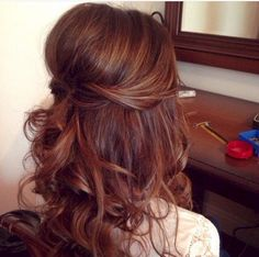 Perfect Half Up Half Down Wedding Hairstyles Trends no 164