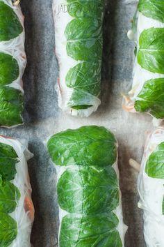 spring rollsy - tylko po co ten makaron? Lactose Free Recipes, Vegan Recipes, Vegan Food, Fried Green Tomatoes, Greens Recipe, What You Eat, Spring Rolls, Fresh Rolls, Free Food
