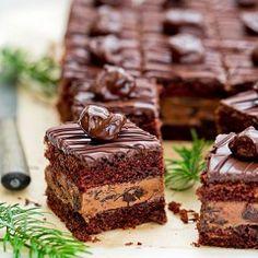 Drunk plum cake with Nutella cream, plum jam Sweet Recipes, Cake Recipes, Dessert Recipes, Plum Cake, Nutella Recipes, Polish Recipes, Food Cakes, Pumpkin Spice Latte, Christmas Desserts