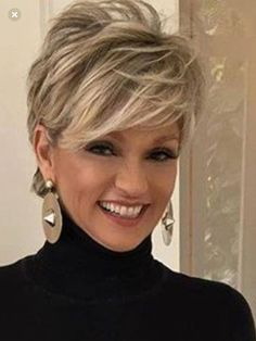 Love this short hair cut – Aimer cette coupe de cheveux courts – Hair Styles For Women Over 50, Medium Hair Styles, Curly Hair Styles, Short Hair Cuts For Women Thin, Short Hair Styles Thin, Short Fine Hair Cuts, Thin Hair Cuts, Curly Bangs, Short Hairstyles For Thick Hair