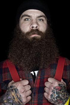 Men: Your Beard or Mustache May Reduce Skin Cancer Risk Facial hair styles are one way that men can express their individuality, but did you know that it may also provide health benefits as well? Beard Game, Epic Beard, Great Beards, Awesome Beards, Hairy Men, Bearded Men, Beard Growth Tips, Long Beards, Manish