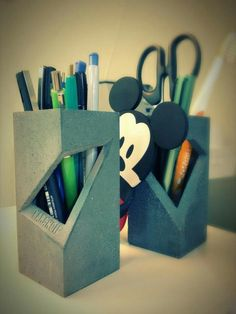 received my pen holder, which is made by concrete, such a magnificent product! Cement Design, Cement Art, Concrete Cement, Concrete Furniture, Concrete Crafts, Concrete Projects, Concrete Planters, Concrete Casting, Beton Diy
