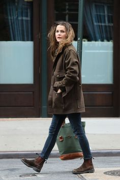 Keri Russell Autumn Style – Out in NYC - Wintermode Woche Fashion Casual, Look Fashion, Fashion Outfits, Womens Fashion, Fashion Styles, Fashion Fashion, Runway Fashion, Trendy Fashion, Fashion Ideas
