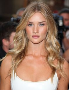 Rosie Huntington-Whiteley's soft loose waves #hair