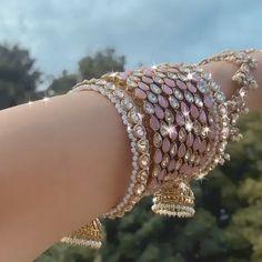 Fancy Jewellery, Stylish Jewelry, Fashion Jewelry, Indian Jewelry Sets, Indian Wedding Jewelry, Bridal Bangles, Bridal Jewelry, Bridal Jewellery Inspiration, Jewelry Design Earrings