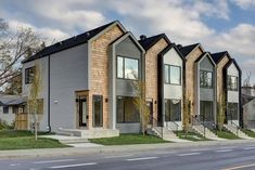 Modern Calgary townhouse breaks record price - The Globe and Mail Terrace House Exterior, Townhouse Exterior, Modern Townhouse, Townhouse Designs, Facade House, Duplex Design, Facade Architecture, Residential Architecture, Casas The Sims 4