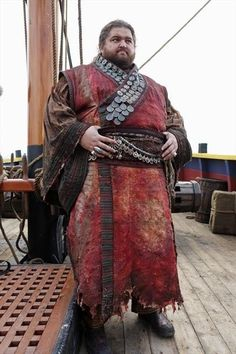 Jorge Garcia in Once Upon a Time Medieval Costume, Medieval Armor, Medieval Fantasy, Fantasy Character Design, Character Design Inspiration, Character Art, Armor Clothing, Medieval Clothing, Dapper Clothing
