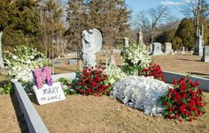 """Mary Tyler Moore; 1936-2017  American Actress, Television Icon. She was a vivacious actress best known for her roles on both the 1960s sitcom """"The Dick Van Dyke Show"""" and the 1970s sitcom """"The Mary Tyler Moore Show"""". Burial: Oak Lawn Cemetery Fairfield Fairfield County Connecticut, USA"""
