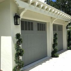 23 ideas for garage door makeover ideas curb appeal porches frontporchide Ideas for Garage Door Makeover Ideas Curb Appeal Porches frontporchide . frontporchideascurbappeal 23 Ideas for Garage Door Makeover Ideas Curb Appeal Porches frontporchide Garage Door Colors, Garage Door Design, Garage Door Decor, Garage Door Styles, Porte Cochere, Porches, Garage Trellis, Garage Exterior, Garage Door Makeover