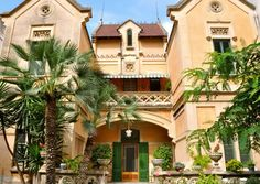 Sitges, Great Memories, Tours, Cat, Mansions, House Styles, Home Decor, Paths, Exhibitions