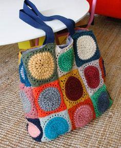 Crochet Cable, Crochet Art, Easy Crochet Patterns, Crochet Cushion Cover, Crochet Cushions, Crochet Clutch, Crochet Purses, Sac Granny Square, Diy Old Jeans