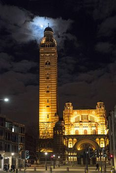 Westminster Cathedral at night - London Westminster Cathedral, Miles To Go, Empire State Building, Great Britain, Big Ben, United Kingdom, England, Italy, London
