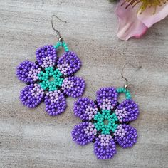 Perlenharmonie by Perlenharmonie on Etsy Red Earrings, Flower Earrings, Beaded Earrings, Beaded Jewelry, Crochet Earrings, Beaded Bracelets, Seed Bead Flowers, Beaded Flowers, Seed Bead Necklace