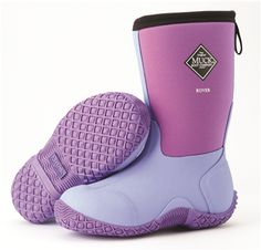 If you are looking for a versatile winter boot, look no further than the Muck Kids Boots! Kids Muck Boots, Kids Winter Boots, Neoprene Rubber, Stylish Boots, Rubber Material, Designer Boots, Ugg Boots, Uggs, Giveaway