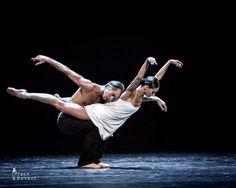 Vera Arbuzova and Andrey Kasyanenko in 'Inside. Behind The Sleep', Russian Ballet Festival Lahti 2013 Jack Devant image. Yoga Dance, Dance Poses, Dance Art, Ballet Art, Ballet Dancers, Ballerina Dancing, Bolshoi Ballet, Contemporary Dance, Modern Dance
