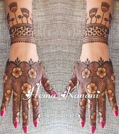 Best 12 Mehndi henna designs are always searchable by Pakistani women and girls. Women, girls and also kids apply henna on their hands, feet and also on neck to look more gorgeous and traditional. Indian Henna Designs, Henna Art Designs, Mehndi Designs For Girls, Mehndi Designs 2018, Stylish Mehndi Designs, Dulhan Mehndi Designs, Mehndi Designs For Fingers, Wedding Mehndi Designs, Mehndi Design Pictures