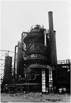 The abandoned Seattle Gas Co. plant that would become Gas Works Park. Pictured in a January 1971 photo by Seattle P-I photographer Bob Miller. Photo: Seattle Post-Intelligencer Archive, As Preserved By The Museum Of History & Industry