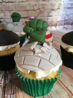 Hulk cupcakes