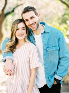 What to Wear to Engagements, Engagement Photo Outfits, Engagement Session Outfits #engagementphotos #summerengagementphotos #whattowear