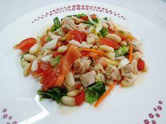 Una nueva recetas de legumbres, ideal para verano. Tiene todo lo necesario de nutrientes, es saciente y fresca. Y para rematar, se hace rápidamente, por lo que no tienes excusa para comer rico, sano y sin usar calor para cocinar. Ingredientes para 2 o... Fresco, Pasta Salad, Risotto, 3, Ethnic Recipes, Food, Soups, Cook, Essen