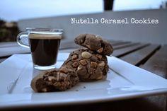 Craft Cook Love: Αφράτα μπισκότα με πραλίνα φουντουκιού και καραμέλα - Nutella Caramel Cookies Recipe Nutella, Caramel Cookies, Dyi, Biscuits, Greek, Snacks, Chocolate, Cooking, Desserts