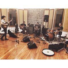 O ator e cantor compartilhou o registro na madrugada de quinta-feira (24), no Instagram.