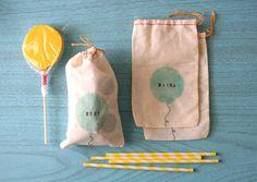 Darling Studio - balloon favor bags